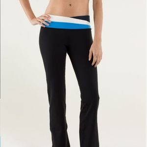 Lululemon Astro Pant (Tall) in Black / Inkwell